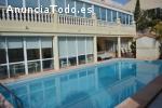 ocasion villa con piscina y garaje